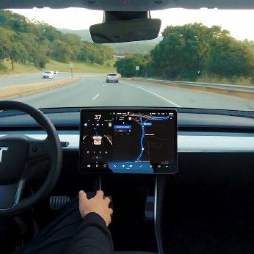 Tesla: Selbstfahrende Autos, Car-Sharing und Robo-Taxis