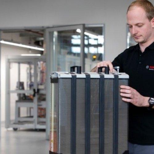 Bosch steigt in die Serienfertigung von Brennstoffzellen ein
