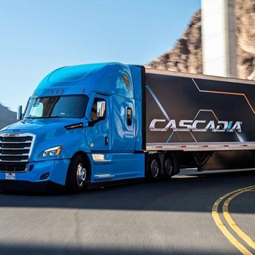 Daimler Trucks investiert in Automatisierte LKW aber steigt aus Platooning aus