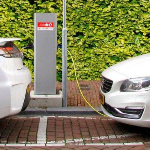 Förderung von E-Autos in Europa und den USA