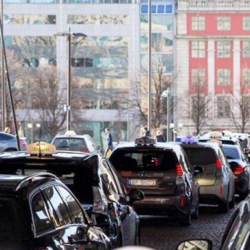 Oslo: induktives Schnellladesystem für Taxis
