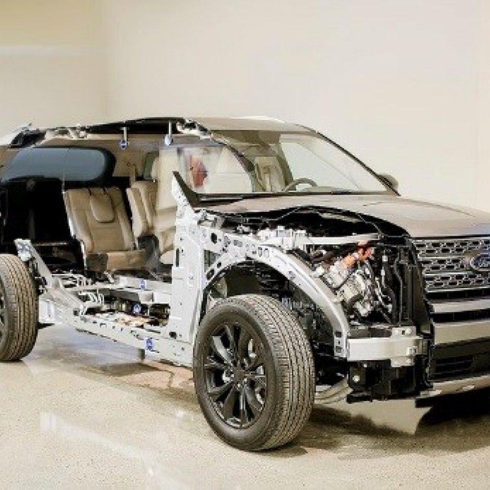 Ford setzt auf (große) Hybrid-Fahrzeuge